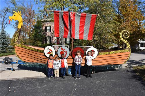 kinder students visited the ship at recess